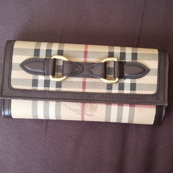 Burberry Handbags - Burberry vintage check long wallet - authentic